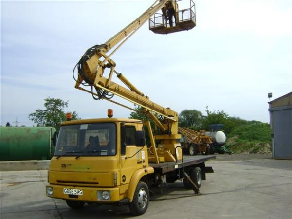 BEDFORD CHERRY PICKER TOWER WAGON