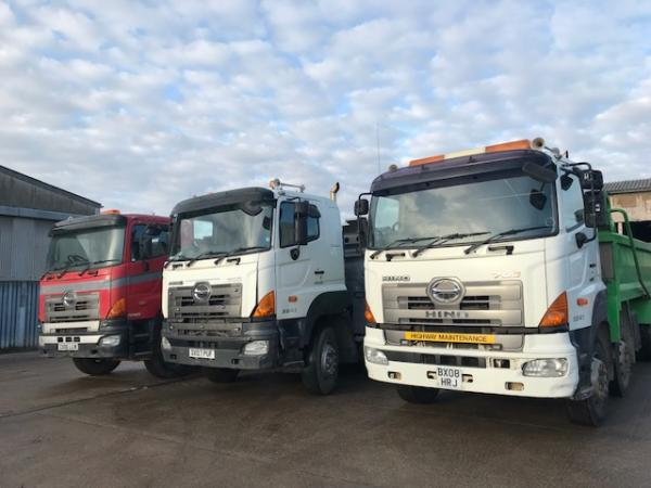 HINO TIPPER 3241 8x4 steel body tipper